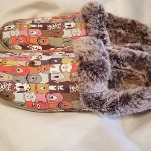 Bob's slip on furry mules shoes sz 8 dog print